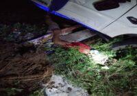 दुःखद सड़क हादसे मे बारात लेकर जा रहे स्कार्पीओ ड्रावर की हुई मौत,कई लोग हुये मामूली जख्मी