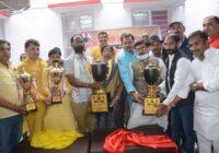 स्व. अशोक सिंह स्मृति अखिल भारतीय वाँलीबॉल पुरुष एवं महिला प्रतियोगिता-2021 के कप का अनावरण